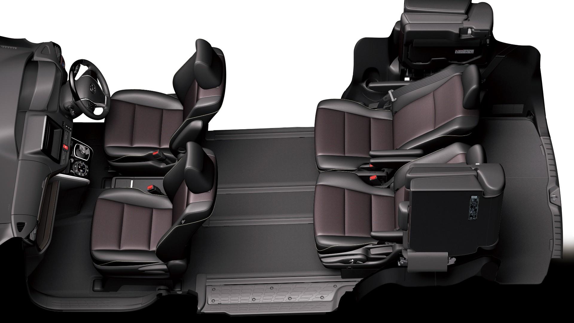 エスクァイア画像、トヨタ新型ミニバン、ノア&ヴォクシーの姉妹車